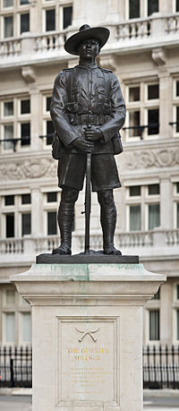 200px-Gurkha_Soldier_Monument,_London_-_April_2008